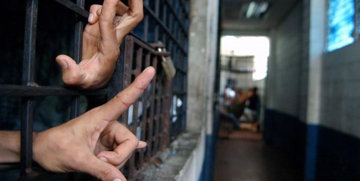 Al-menos-400-presos-en-huelga-de-hambre-para-exigir-beneficios-en-Panamá