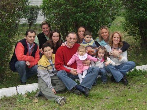A propósito de Angie de Krassnoff y la familia militar
