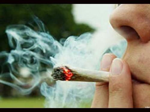 fumando-marihuana[1]