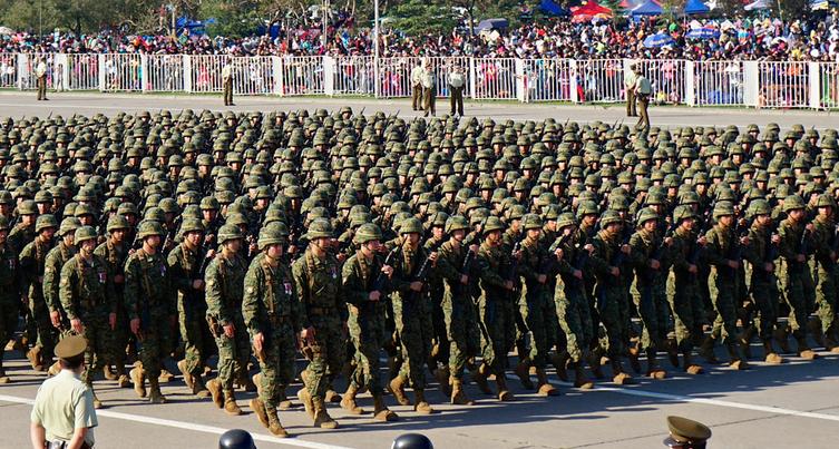 Más palas y menos fusiles, que se suspenda la Parada Militar - El Quinto  Poder